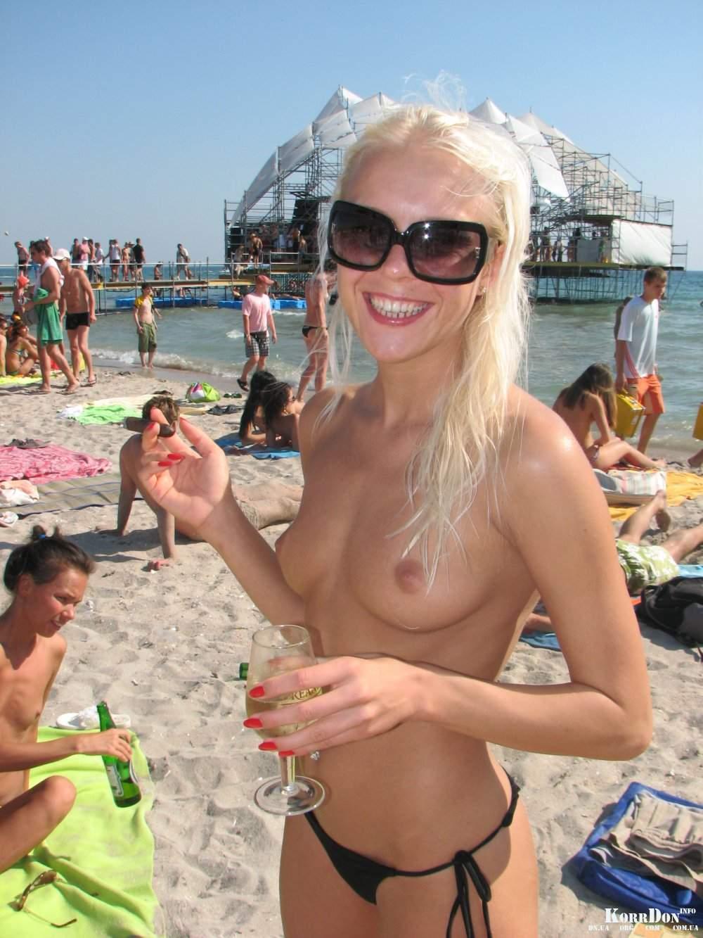 Телки казантипа голые 11 фотография