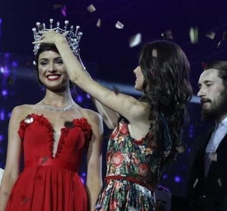 Новая'Мисс Украина без одежды и с Кличко